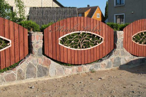 Vartai ir tvoros 23
