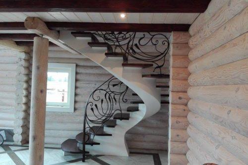 Laiptai ir turėklai